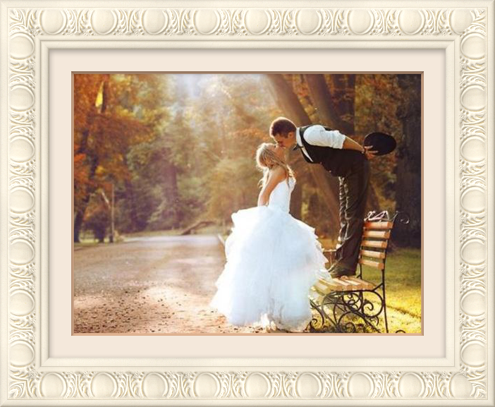 Creative ideas on what to do with your wedding photos